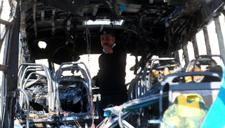 Террорист-смертник привел в действие взрывное устройство в автобусе со студентами в Пакистане