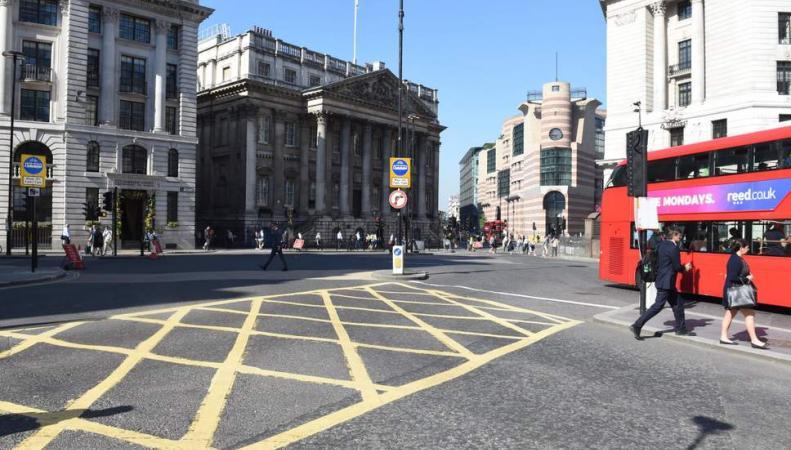 перекресток Bank Junction в Сити