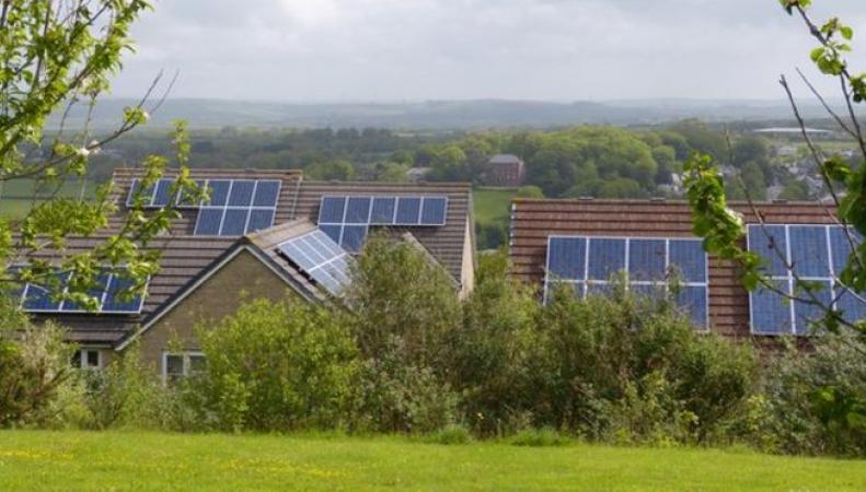 Солнечные батареи при очень жарком климате работают хуже