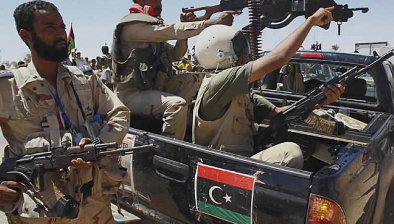 Ливия: Аэропорт Бенгази закрыт из-за столкновений между боевиками и военными