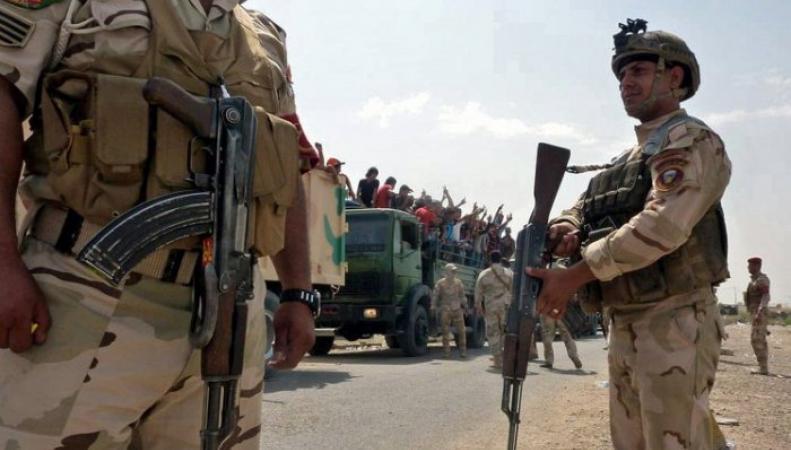 """Боевики """"Исламского государства"""" и пленные"""