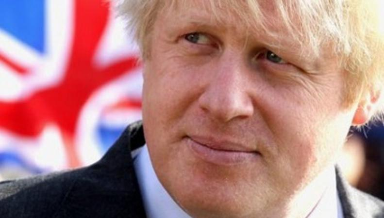 Мэр Лондона Борис Джонсон готовится на себе испытать действие водометов
