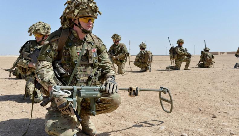 Британия продлила на год присутствие своих 450 военных в Афганистане