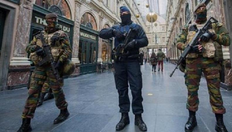 МИД Британии рекомендовал своим гражданам в Брюсселе следовать указаниям полиции