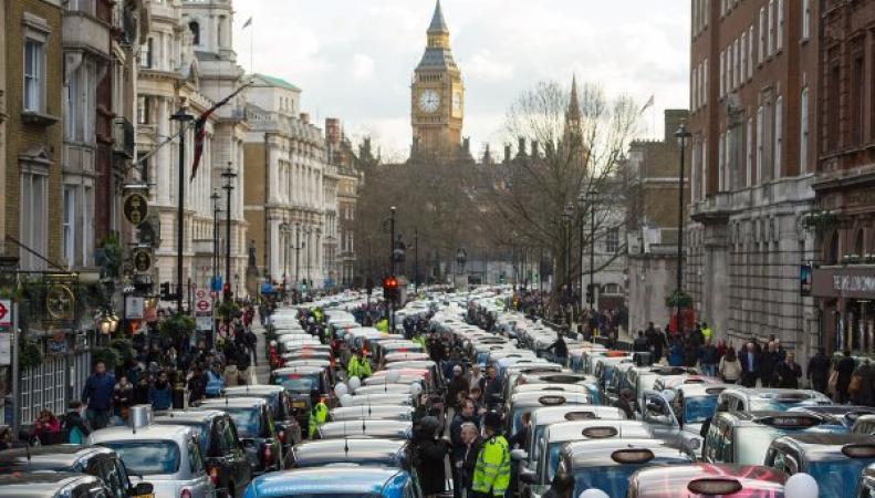 протест кэбменов в центре Лондона