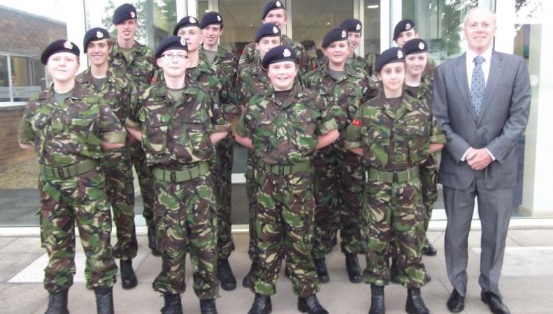 В Великобритании увеличат число кадетских классов