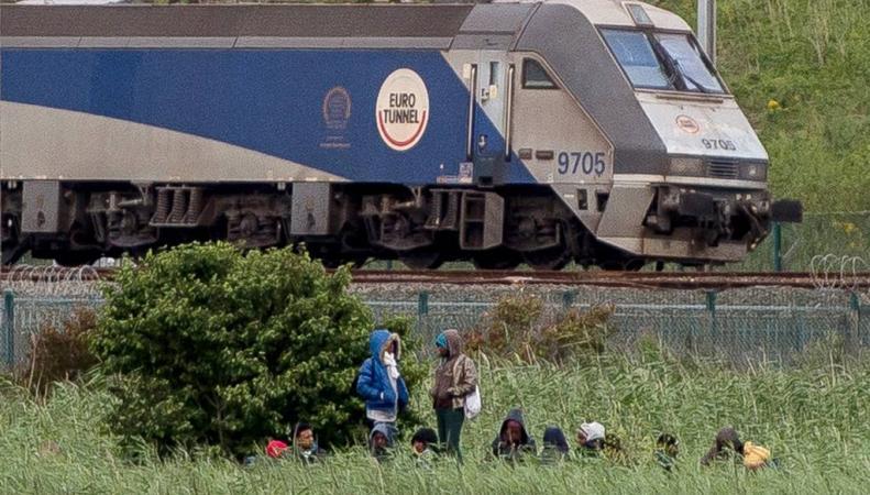 поезд в евротуннеле
