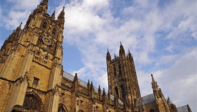 Церковь Англии продаст долю в нескольких компаниях