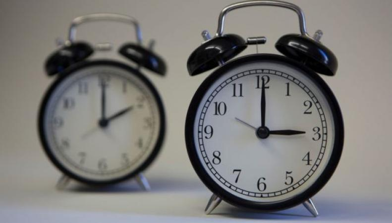 часы с разным временем