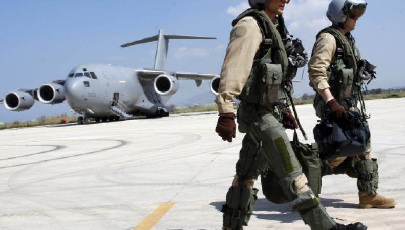 В Бишкеке закрывают авиабазу НАТО