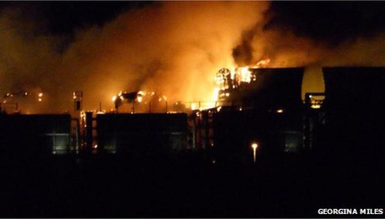 В Дидкоте горит электростанция