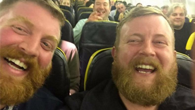 Житель Ирландии встретил в самолете своего техасского двойника