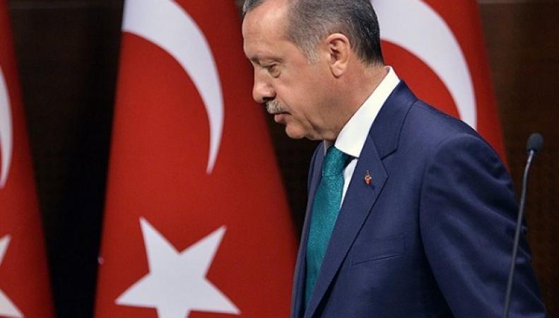 Минобороны показало, как фуры с территории Сирии попадают в Турцию