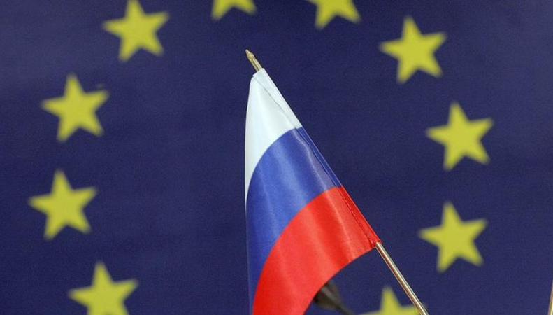 Евросоюз намерен продлить санкции против РФ, но назвал условия их ослабления