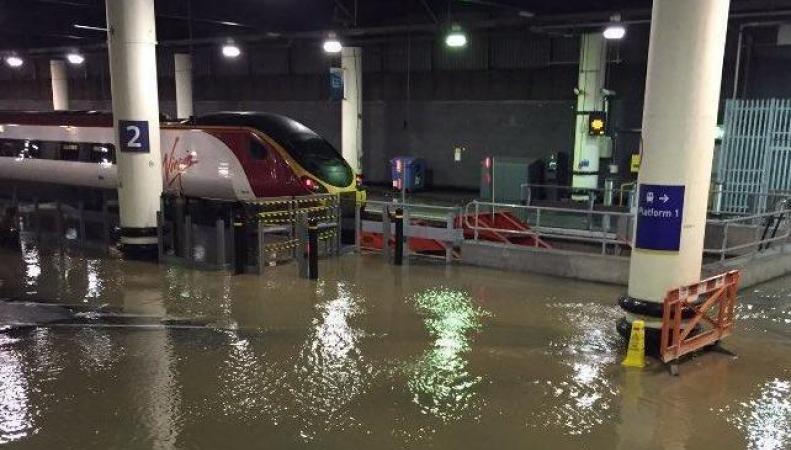 потоп на вокзале Euston