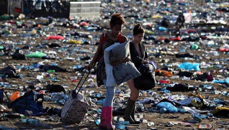 Фестиваль Гластонбери 2011 и мусор