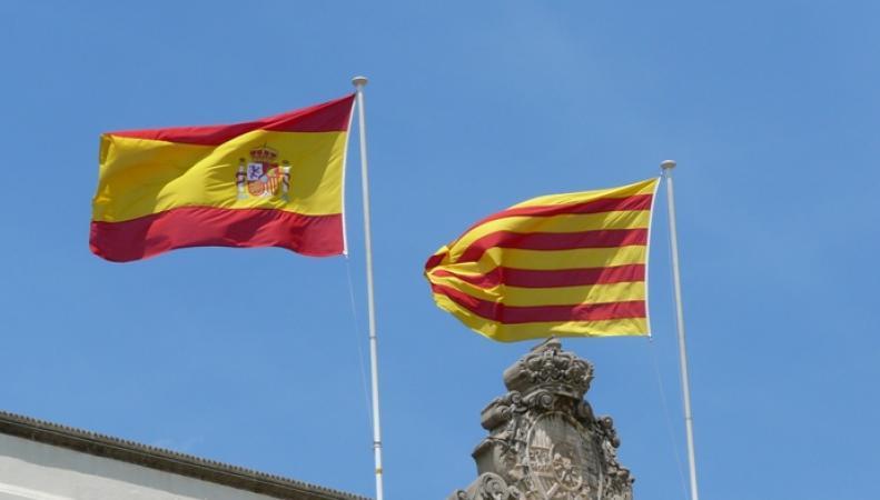 Флаги Испании и Каталонии