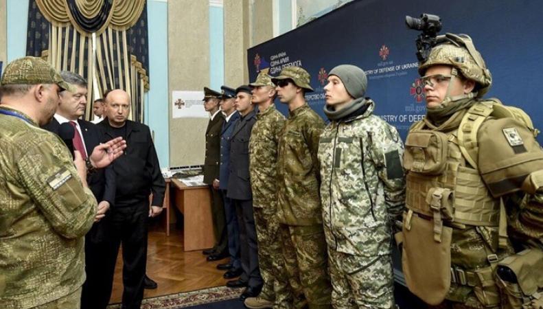 Служебный подлог: в Украине мобилизованным бойцам выдают некачественную форму