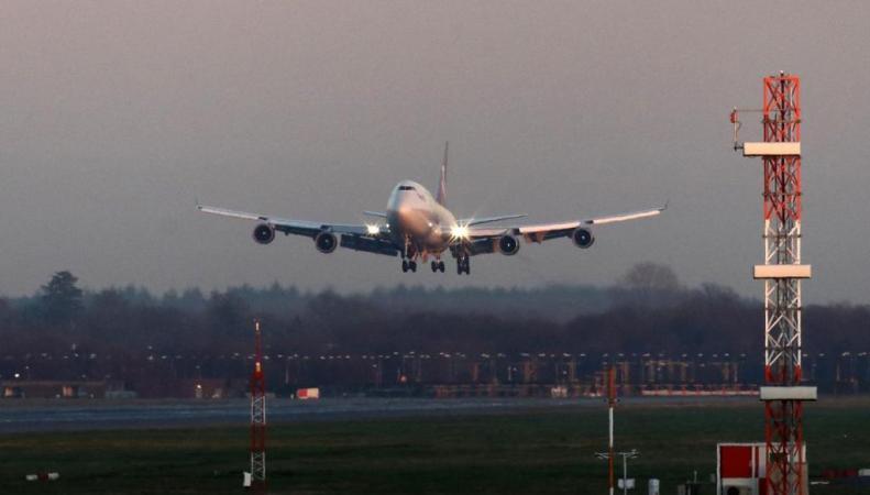 приземление самолета Boeing