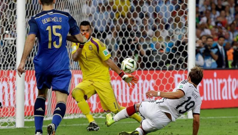 Германия одержала победу на ЧМ-2014 над Аргентиной со счетом 1:0