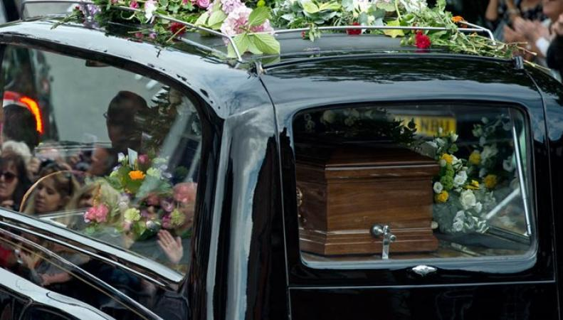 катафалк с гробом