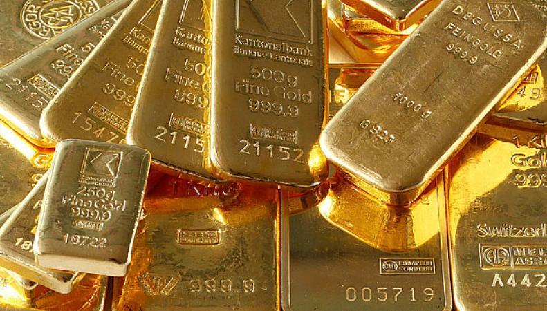 Финансовый кризис создал панику на рынке золота