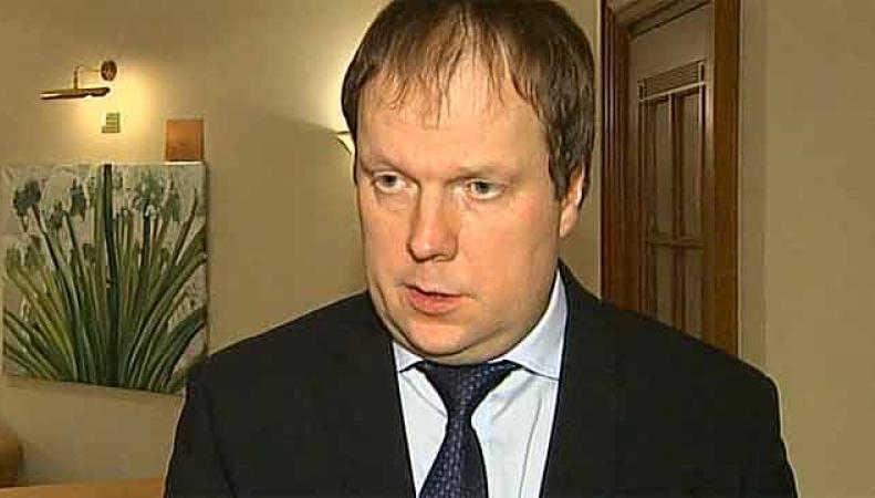 Срок службы российских чиновников предлагают сократить до 10 лет