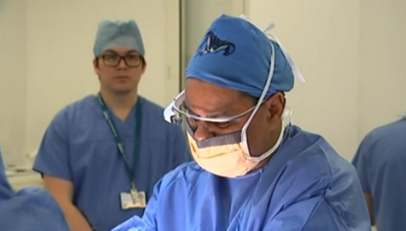Британский хирург во время операции использовал Google Glass