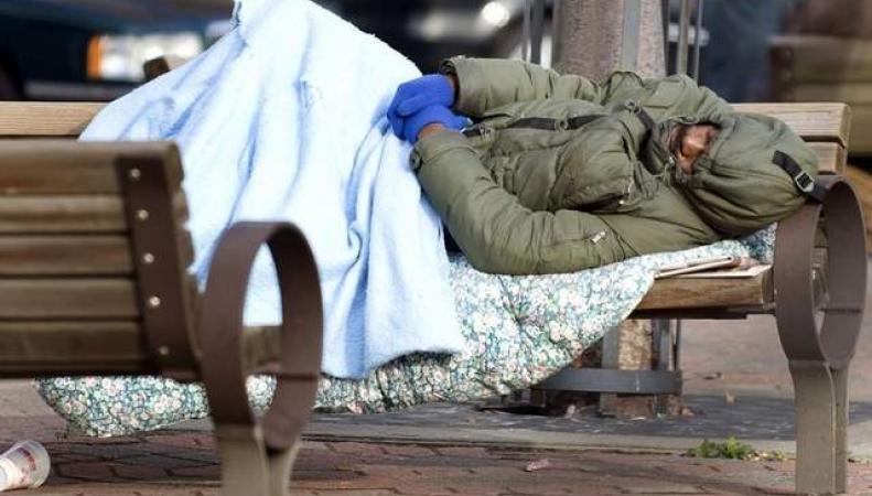 Бездомных в Лондоне будут штрафовать за сон в общественных местах