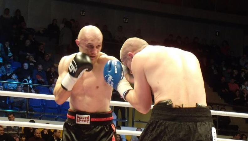 Хомицкий побеждает Буглиони