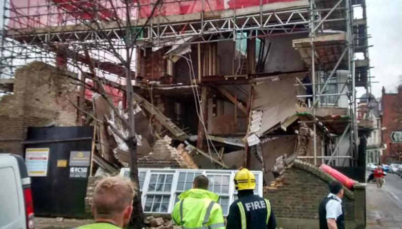 обрушение здания в Барнсе