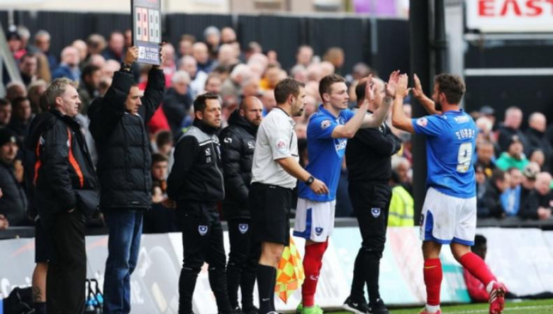 В Англии болельщик заменил футбольного судью во время матча