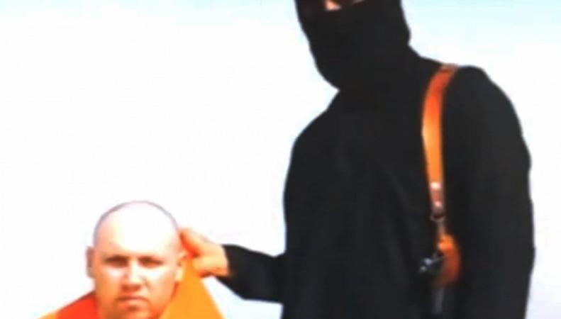 Стоп-кадр видеозаписи боевиков со Стивеном Сотлоффом, август 2014 года