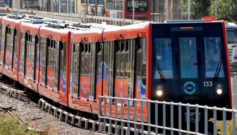 DLR-поезд