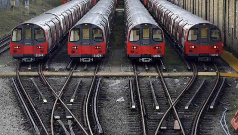 поезда лондонского метро