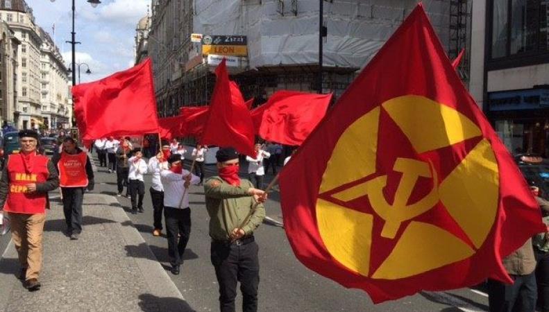 В Лондоне отметили 1 мая на Трафальгарской площади