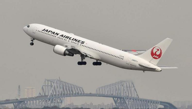 самолет Japan Airlines