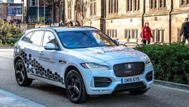 ВБритании тестируют самостоятельные Ягуар иRange Rover