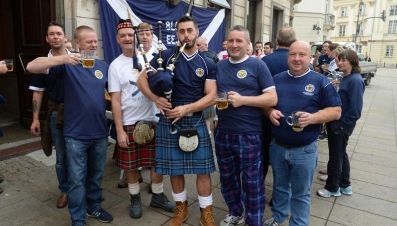 Шотландские футбольные болельщики