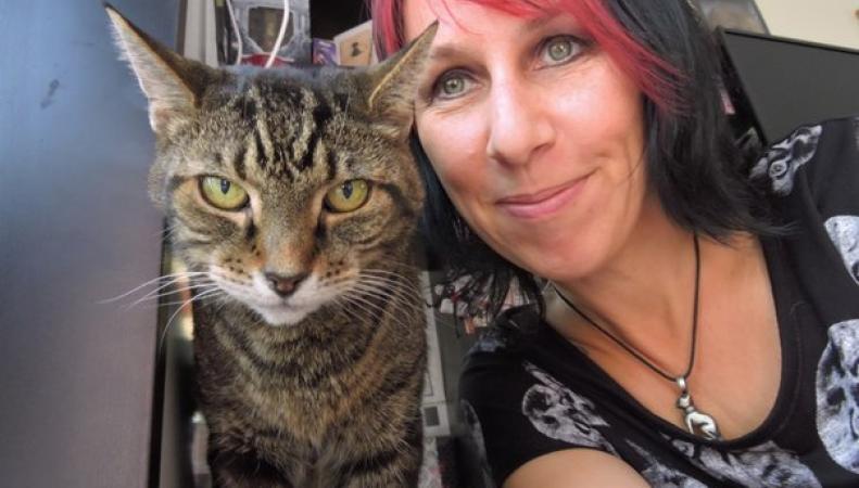 Кошачья жена с мужем