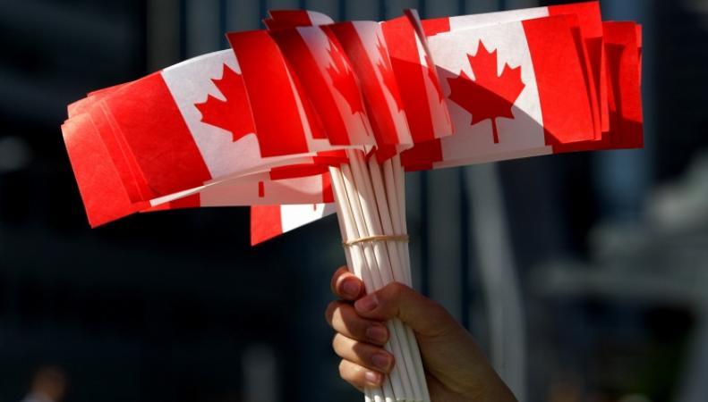 Флажки с флагом Канады