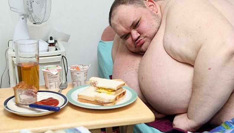 Самый толстый мужчина Британии скончался от своих 400 килограмм