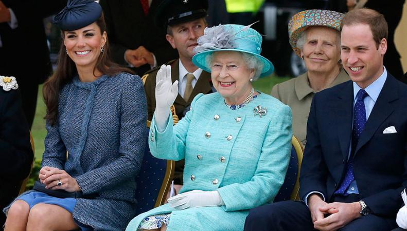 герцогиня Кейт и королева Елизавета II