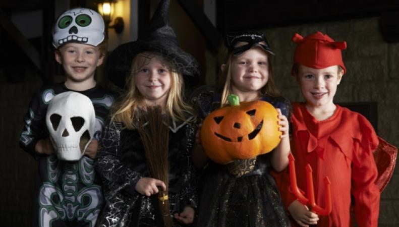 дети на Хэллоуине