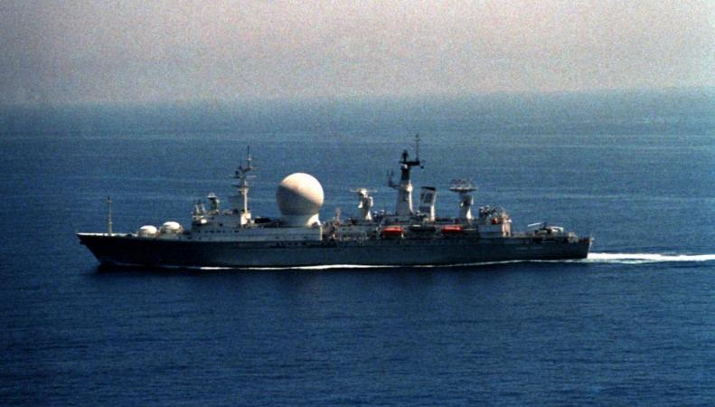 Разведывательный корабль Китая направлен в международные воды США