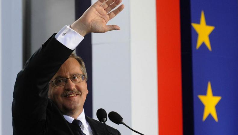 Президент Польши считает парад Победы угрозой миру
