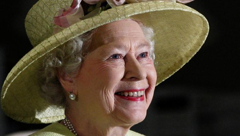 Королева Великобритании возьмет в аренду для Кейт и Уильяма двухдвигательный самолет