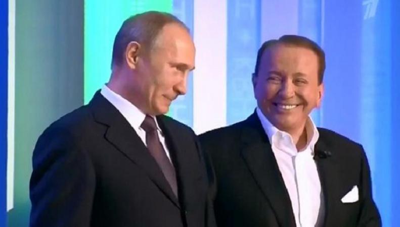 Путин оценил шутку КВН про дикарей Обаму, Меркель и Олланда одним словом
