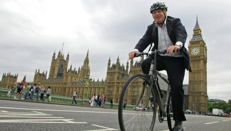 Лондонский мэр отказывается от паспорта США
