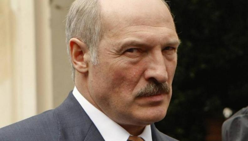 Александр Лукашенко дал интервью